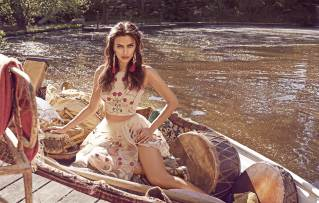 Bebe_PreFall 2015_Summer of Enchantment Campaign shot_2015
